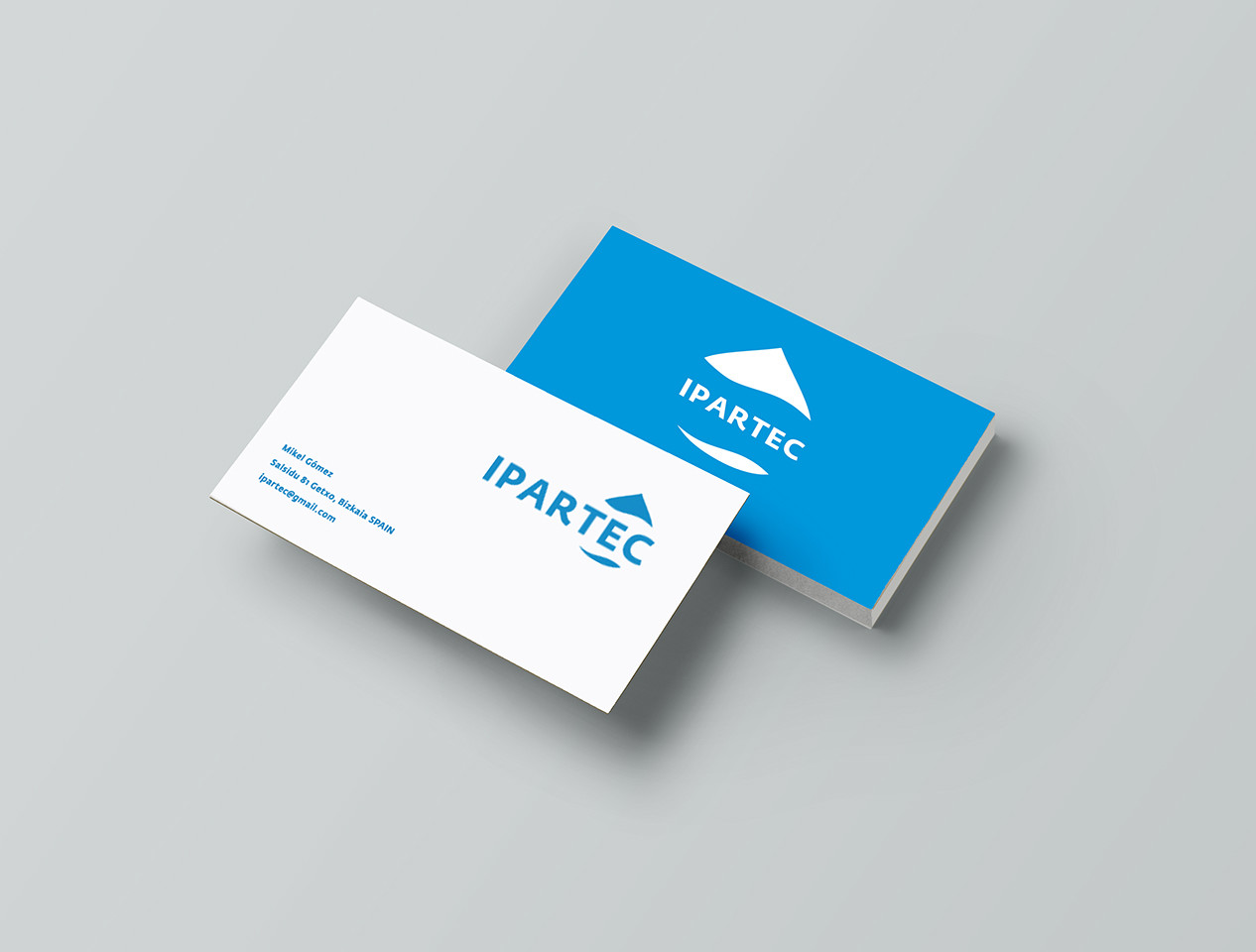 IPARTEC-Business-Card-Mockup